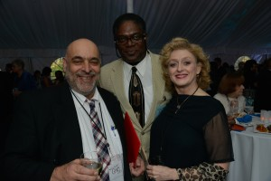 Johnny Lee Davenport joins the celebration with Artistic Director Jim Petosa and actress Paula Langton. (PHOTO: Andrew Brilliant)